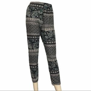 5 for $15  Hot kiss pull on legging AP…